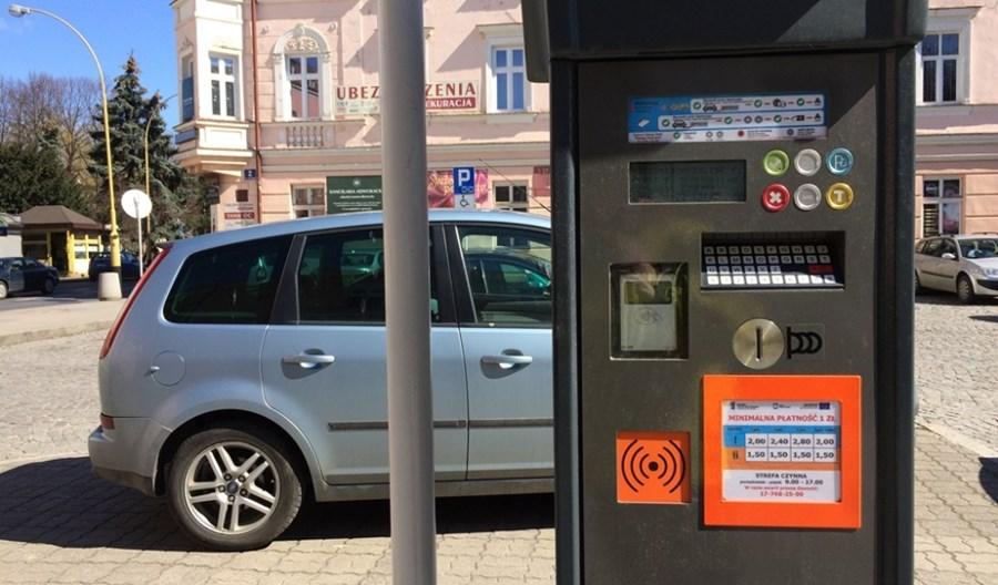 Rząd chce uzależnić opłaty za parkowanie od płacy minimalnej
