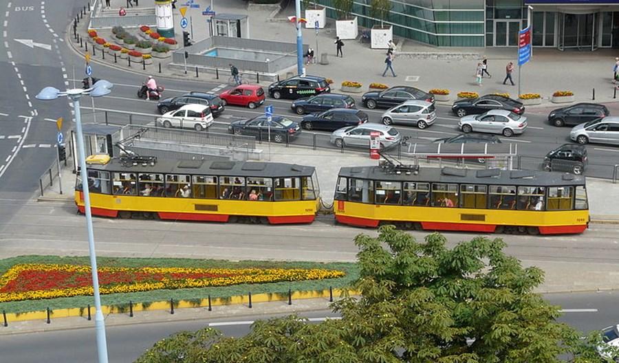 Warszawa. Transport publiczny sposobem na smog