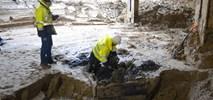 Studnia na budowie stacji C06 Księcia Janusza [ZDJĘCIA]