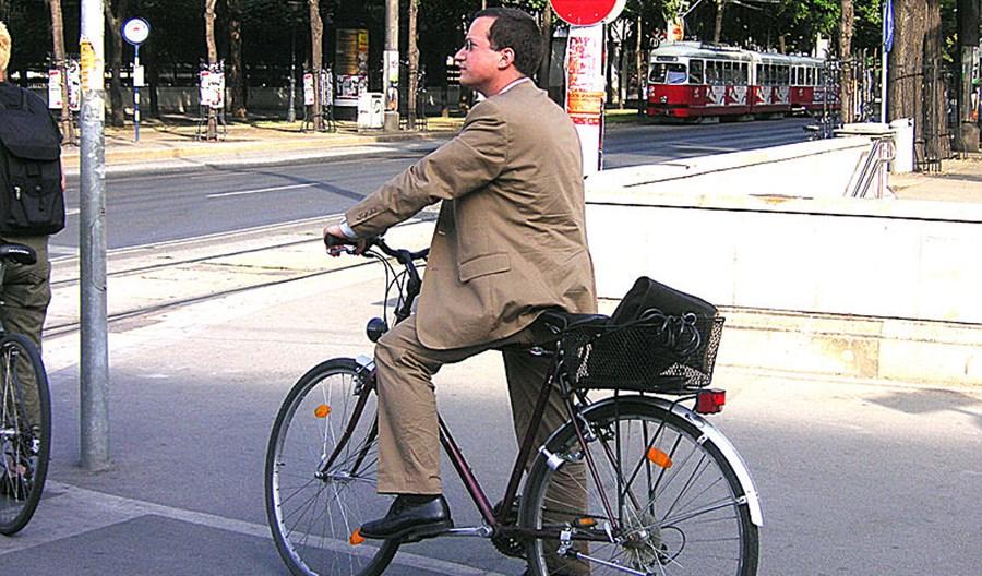 Kraków. EC Engineering płaci pracownikom za jeżdżenie rowerem