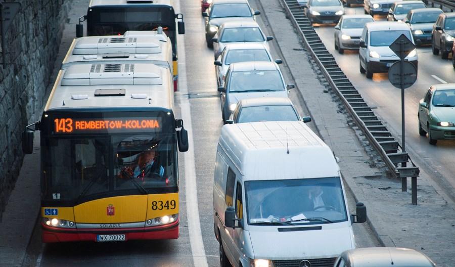 Warszawa: Po pilotażu motocykle wjeżdżają na buspasy