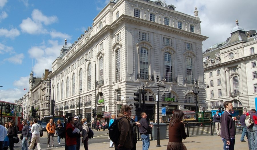 Londyn nie jest jak Warszawa. Stawia na pieszych