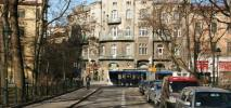 Parkowanie po krakowsku. Wojna z kierowcami czy oddech dla miasta?