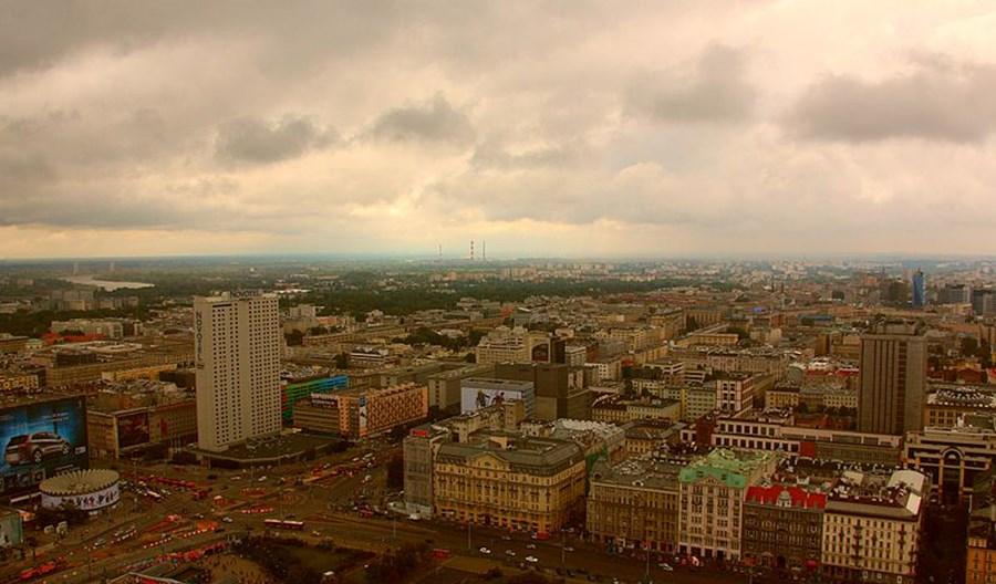 Warszawa. Kandydat Kukiz'15: Smog to efekt zmiany róży wiatrów