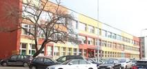 Polskie dzieci (wciąż) jeżdżą do szkoły samochodami