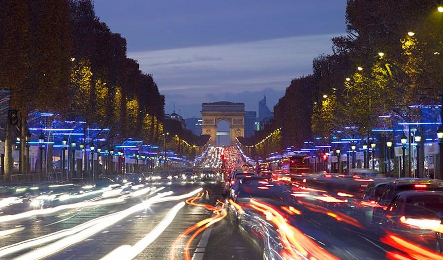 Francja tworzy własne Strefy Czystego Transportu. Ale inaczej niż Polska