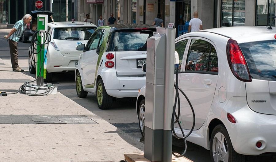Wielka Brytania: Tylko elektryczne pojazdy już w 2030 roku!