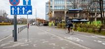 """Warszawa inwestuje w """"zielony beton"""", czyli chodniki zjadające smog"""