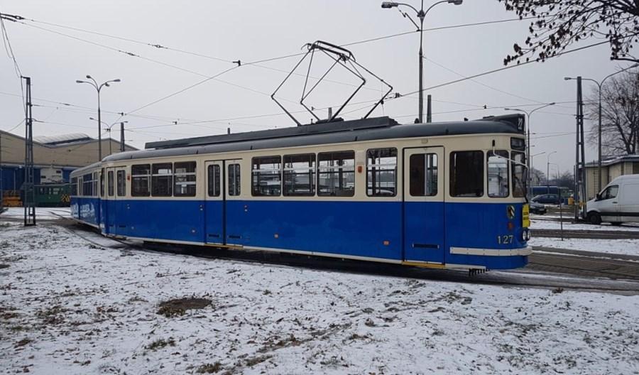 MPK Kraków odrestaurowało zabytkowy wagon T4 w krakowskich barwach