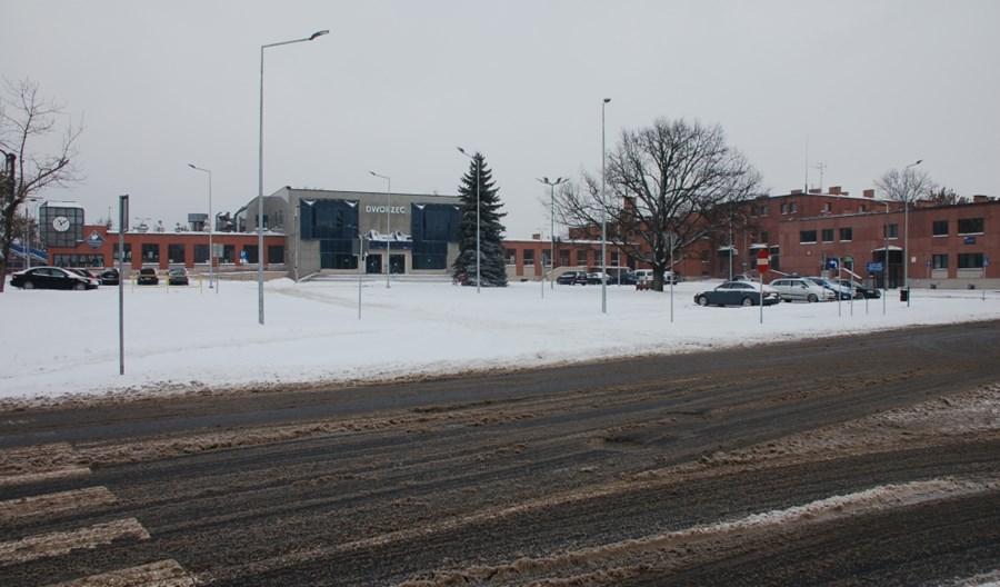 Chełm: Plac w przebudowie, dworzec do modernizacji