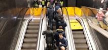 Metro: 100% więcej podróżnych w łączniku przesiadkowym. ZTM myśli o… bramkach