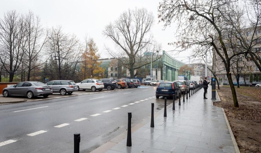 Warszawa. Kto obsłuży płatne parkowanie – SkyCash czy mPay?