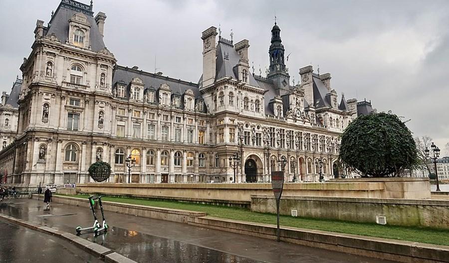 Francja i Peru zakazują e-hulajnóg na chodnikach