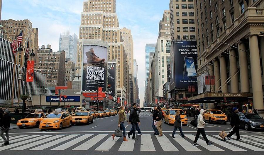 Nowy Jork. Pomysł mandatów do 250 dol. dla smartfonowych zombie