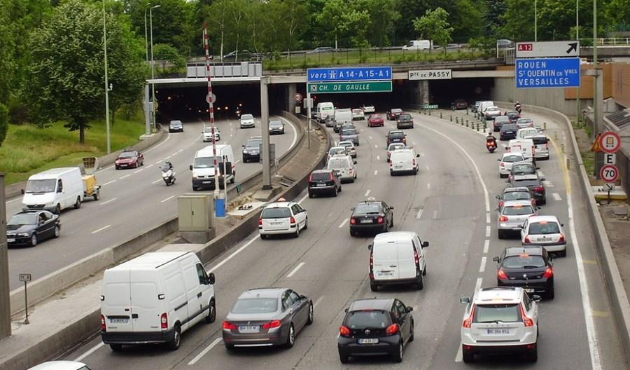 Paryż ograniczy prędkość na śródmiejskiej obwodnicy z 70 do 50 km/h?