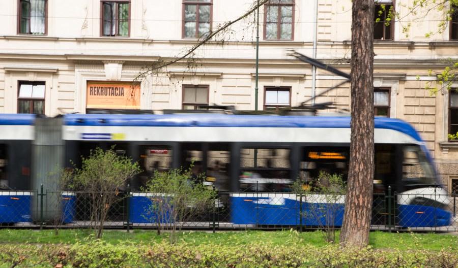 Kraków wycofuje możliwość płacenia gotówką w biletomatach