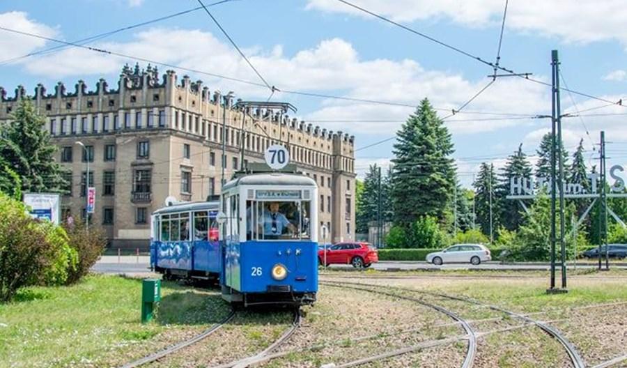 Kraków: Historyczny wagon doczepny typu ND znów na nowohuckich torach