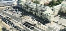 Plac Bankowy bez parkujących aut. Przygotowania do wakacyjnej akcji