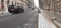 Łódź: Ulice w centrum stopniowo odzyskują przejezdność