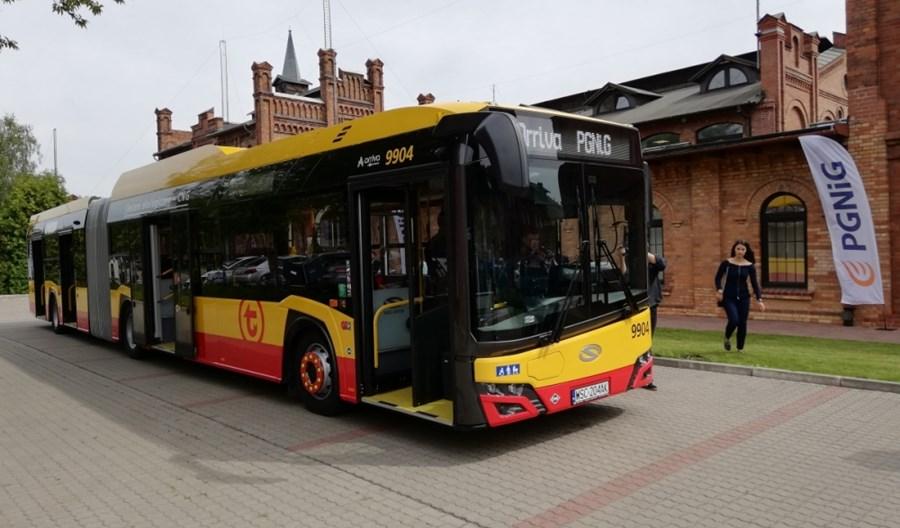 Warszawa. PGNiG dostarczy 22 mln m3 gazu dla autobusów Arrivy