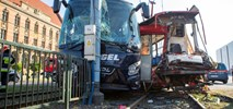 Poważny wypadek w Gdańsku. Zderzenie autokaru z tramwajem