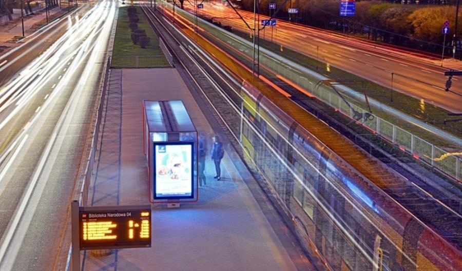 Nielek: Transport publiczny jest też dla pojedynczych podróżnych