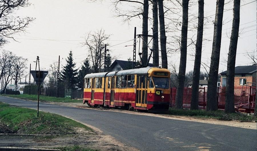 Lutomiersk nie zdejmie sieci trakcyjnej, ale ta i tak nie jest kompletna