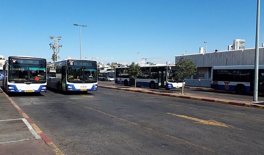 """Tel Awiw. Od niedawna autobusy jeżdżą w szabat. """"To bolesne"""" - mówi minister"""