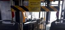 Komunikacja w czasach koronawirusa. Miasta ze strefami wydzielonymi w autobusach