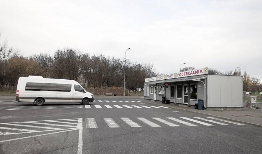 Łódź: Nie jeżdżą autobusy dalekobieżne. Coraz trudniej przemieszczać się po kraju