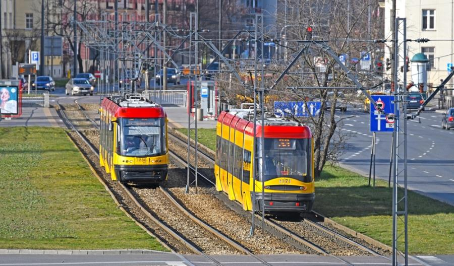 Warszawa wraca do normalnych rozkładów. Ale brakuje pracowników