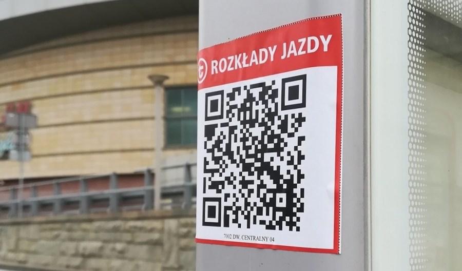 Warszawa:  Kod QR na przystanku ułatwi sprawdzenie rozkładu jazdy