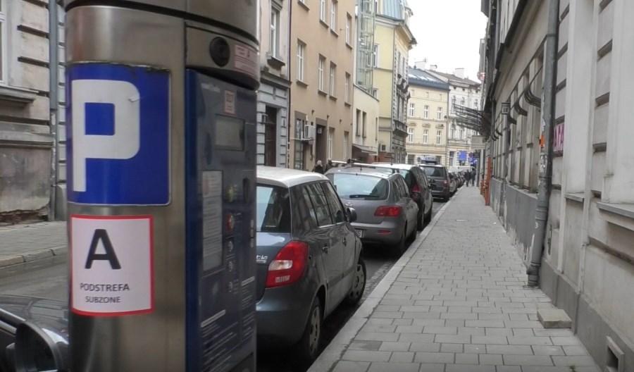 Koniec bezpłatnego parkowania w Krakowie
