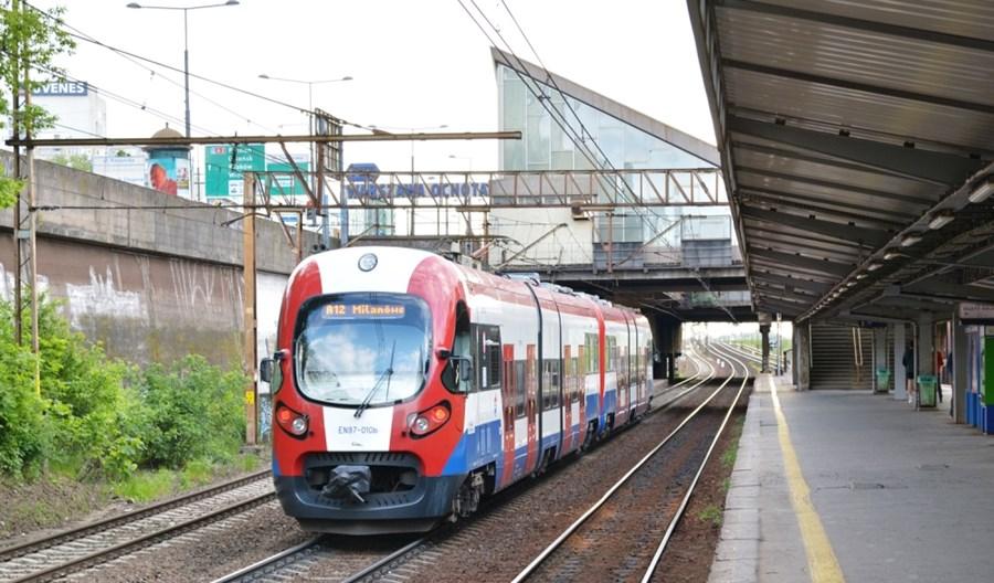 WKD pilotażowo instaluje biletomaty w pociągach