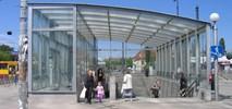 Metro: Wyjście ze stacji Ratusz do remontu. Jedna oferta