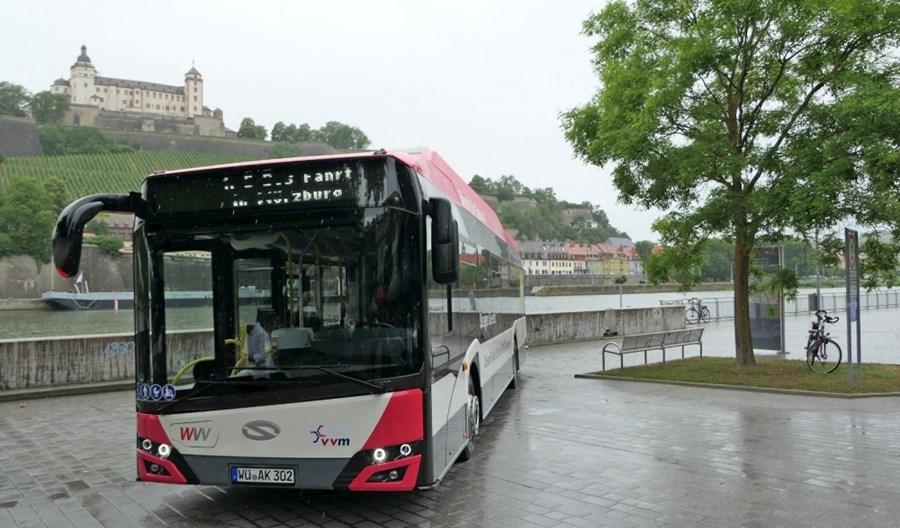 Würzburg inwestuje w elektromobilność. Dwa autobusy od Solarisa