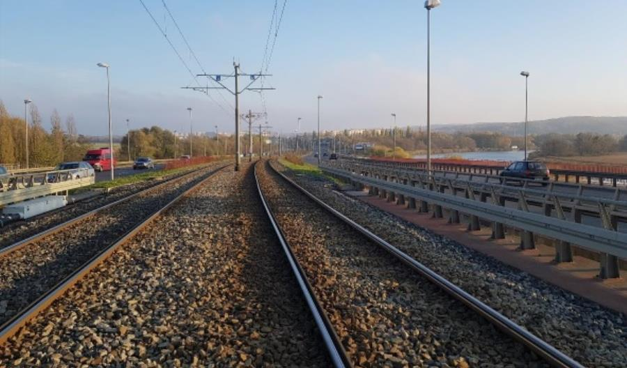 Szczecin: Rozpoczęło się wykonywanie wstawek na trasie szybkiego tramwaju
