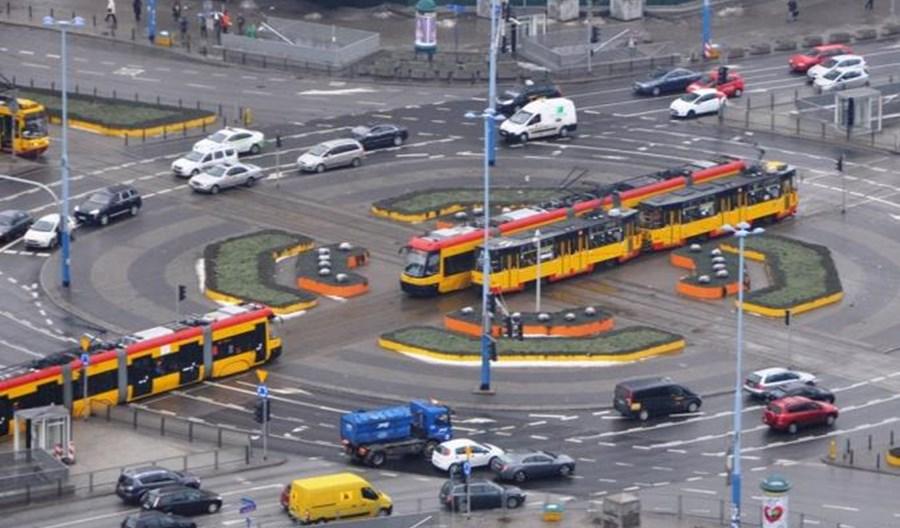 Przejścia przy rondzie Dmowskiego w Warszawie na pewno nie w tym roku