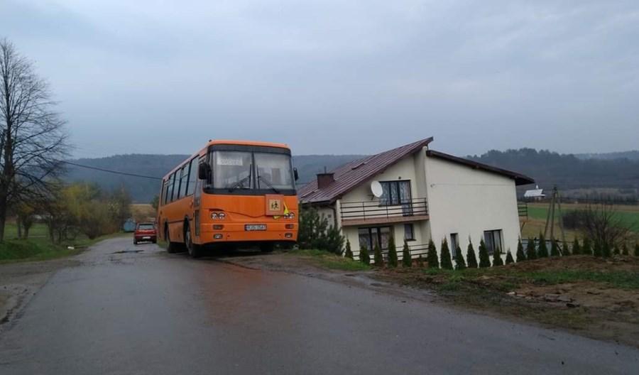 Podkarpackie: Dwóch na trzech mieszkańców terenów wiejskich nie ma dostępu do transportu