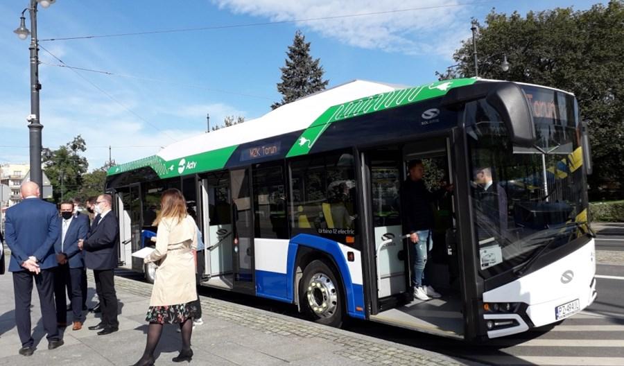Elektrobusy pojadą do Torunia. Umowa z Solarisem podpisana