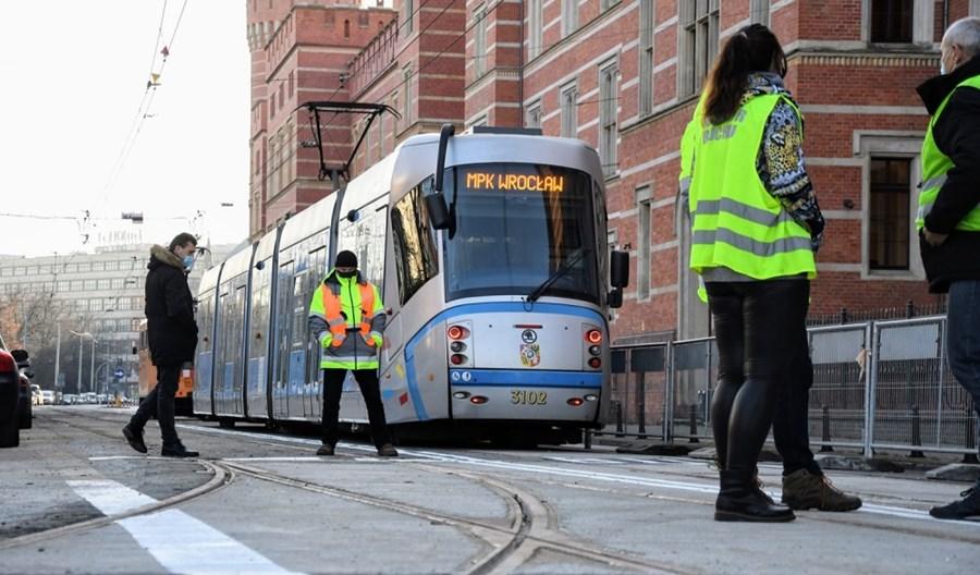 ZUE z kontraktem na utrzymanie połowy infrastruktury tramwajowej we Wrocławiu