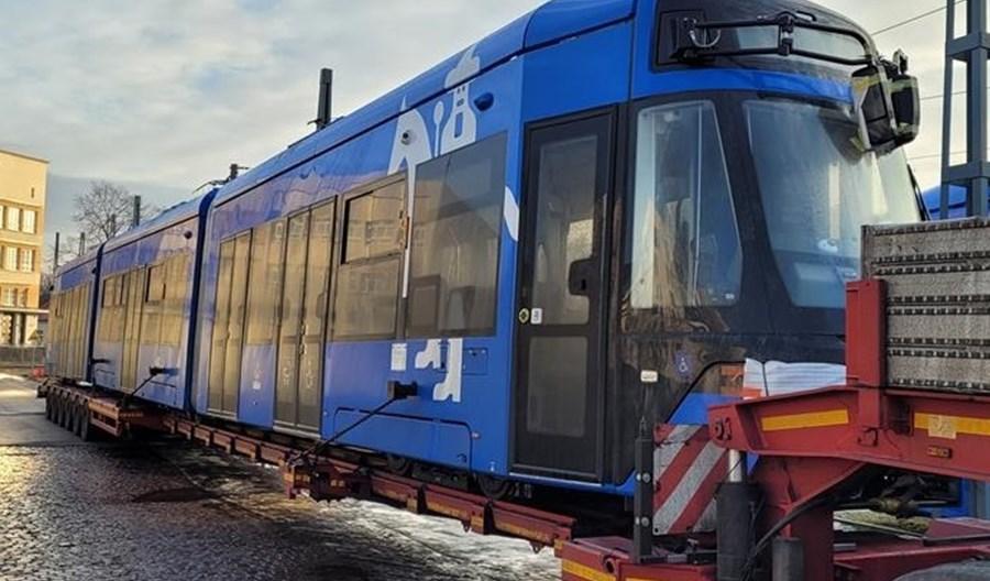 Do Krakowa dotarł kolejny Lajkonik z możliwością jazdy bez sieci trakcyjnej