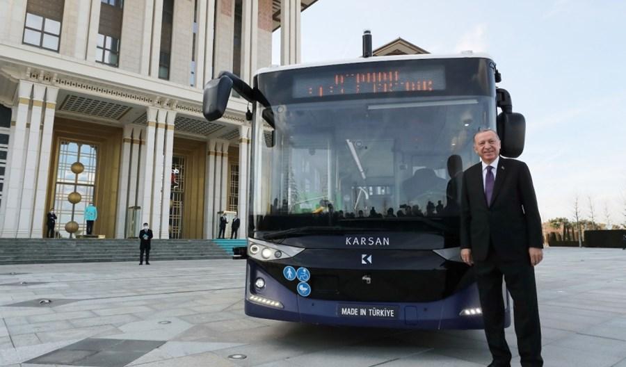 Erdogan pierwszym pasażerem elektrycznego i autonomicznego Karsana