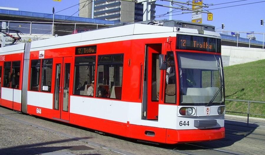 Halle kupi do 56 tramwajów za maks. 168 mln euro