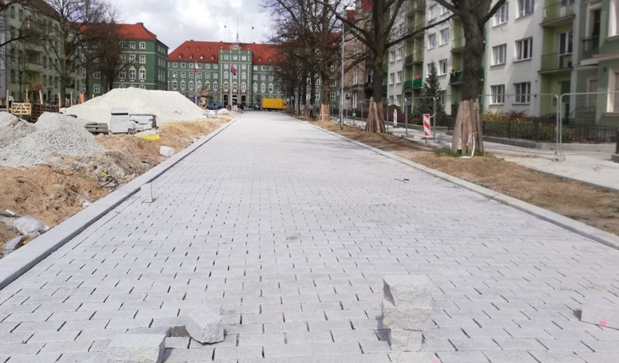 Szczecin: Al. Jana Pawła II już z nową nawierzchnią