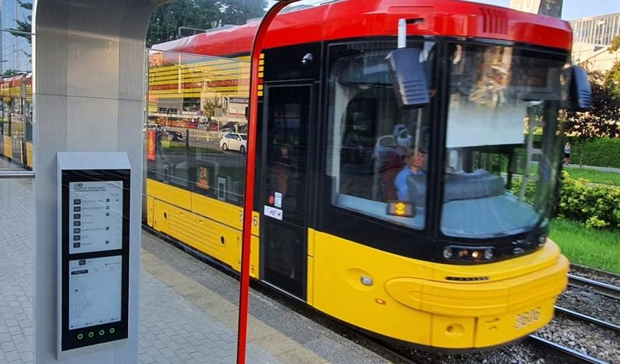 Warszawa z e-rozkładami na przystankach tramwajowych