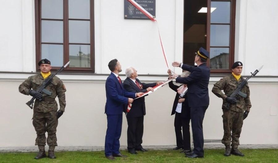 Dworzec Biała Podlaska – pierwszy z woj. lubelskiego – z patronem