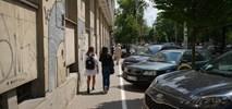 Warszawa przenosi parkowanie na jezdnię na kolejnej ulicy