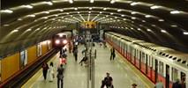 Metro: Wyczyszczą stropy mokotowskich stacji