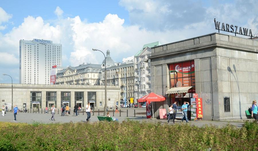 PKP PLK przejmie obsługę systemu informacji na warszawskich dworcach